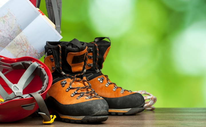 Best Mens Hiking Boots for Wide Feet